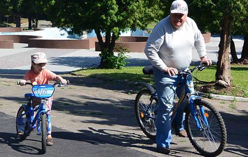 На велосипеді — на вибори