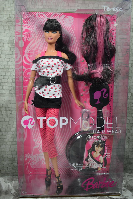 2007 Barbie Top Model Hair Wear Teresa M5797 (6)
