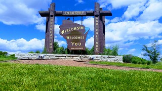 Wisconsin Welcomes You | by Michel Curi