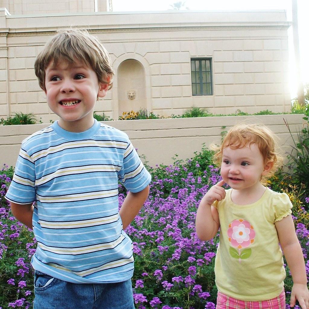 kids at Mesa Arizona Temple