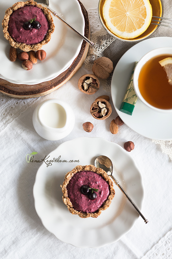 Oat Baskets with Cottage Cheese Berry Filling
