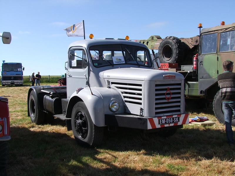 Rassemblement de camions anciens en Normandie 34738502473_fb784702c9_c