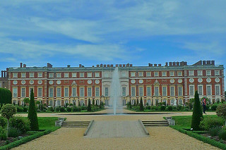 London - Hampton Court Palace fountain