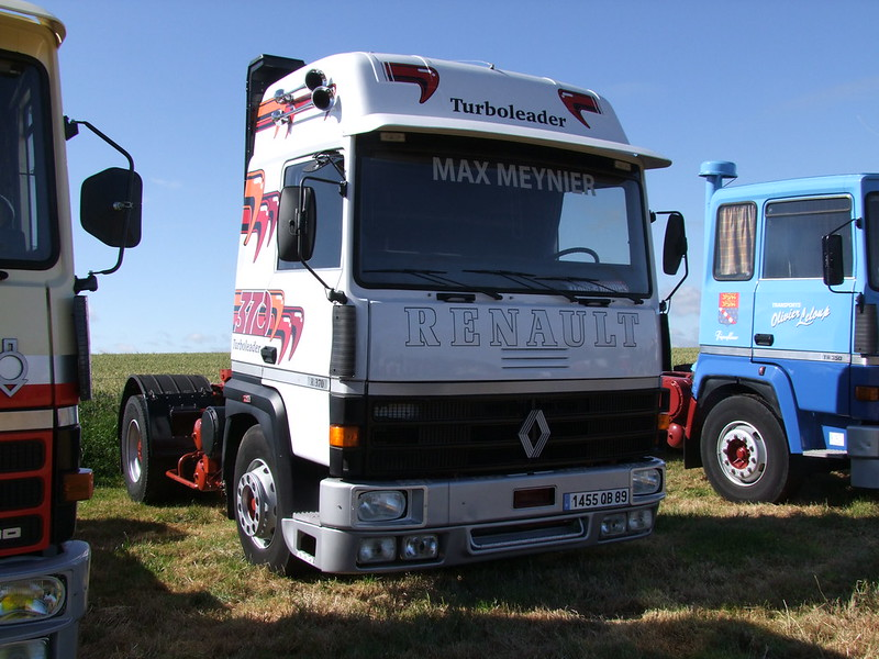 Rassemblement de camions anciens en Normandie 35374772242_9f8bef2ce9_c