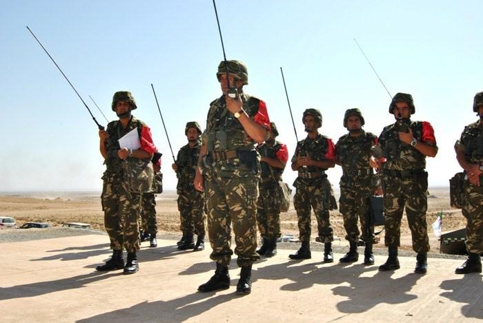 المناورات والتدريبات الجيش الوطني الشعبي الجزائري  [ l'ANP ]  - صفحة 11 35451736356_a7114a2eba_o