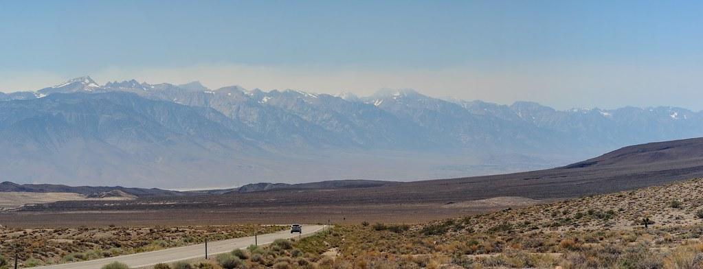 Dans la Death Valley entre montagne et désert en Californie. Photo Aurélien Audy.