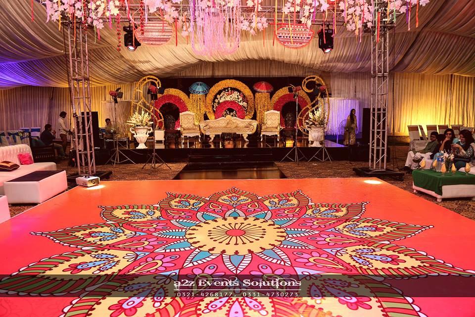 Best Wedding Stages Designers In Pakistan Best Mehndi Eve Flickr