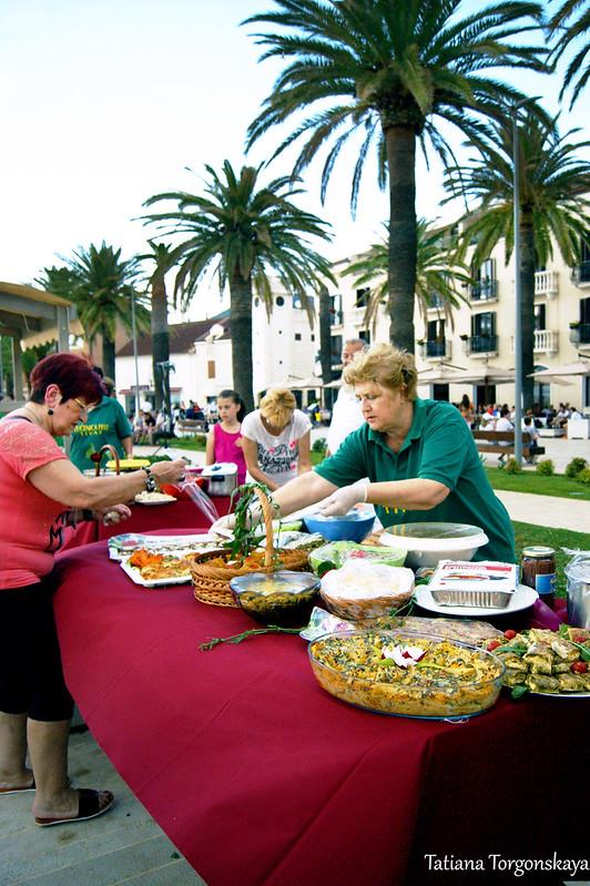 Женская организация Тивата готовит свой стол к празднику