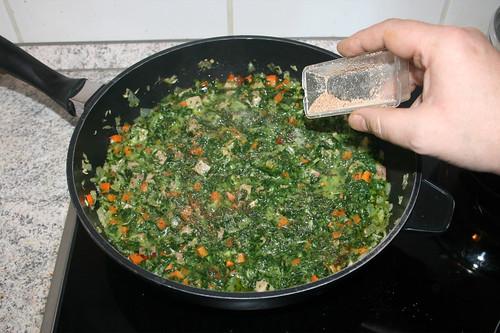 32 - Mit Salz, Pfeffer & Muskatnuss abschmecken / Taste with salt, pepper & nutmeg