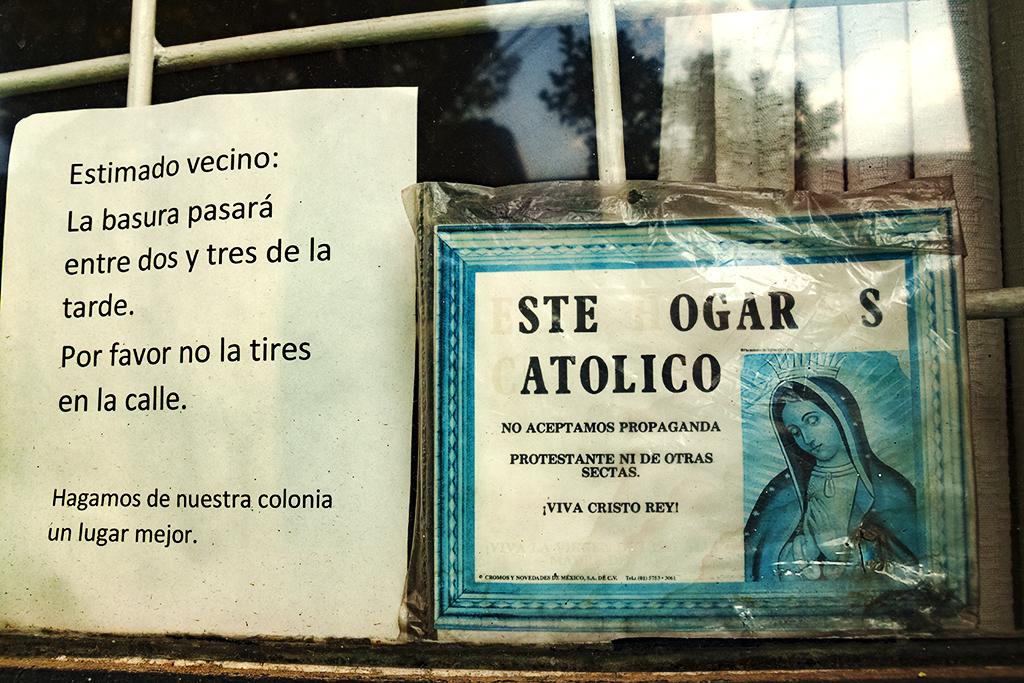 ESTE HOGAR ES CATOLICO--Mexico City