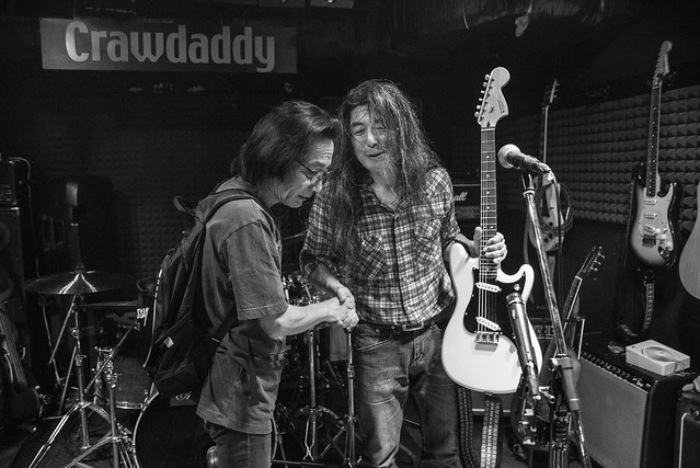 O.E. Gallagher live at Crawdaddy Club, Tokyo, 17 Jun 2017, after the show  -00542