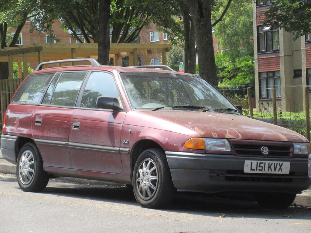 1993 VAUXHALL ASTRA GLS ESTATE   old-surrey-cars   Flickr