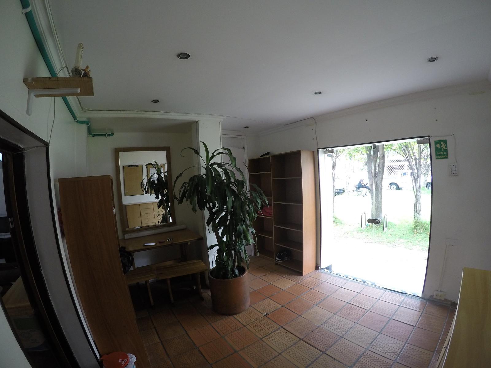 Espacio para alquilar - Vestier 1er piso - Area: 3.5×3.5 mts