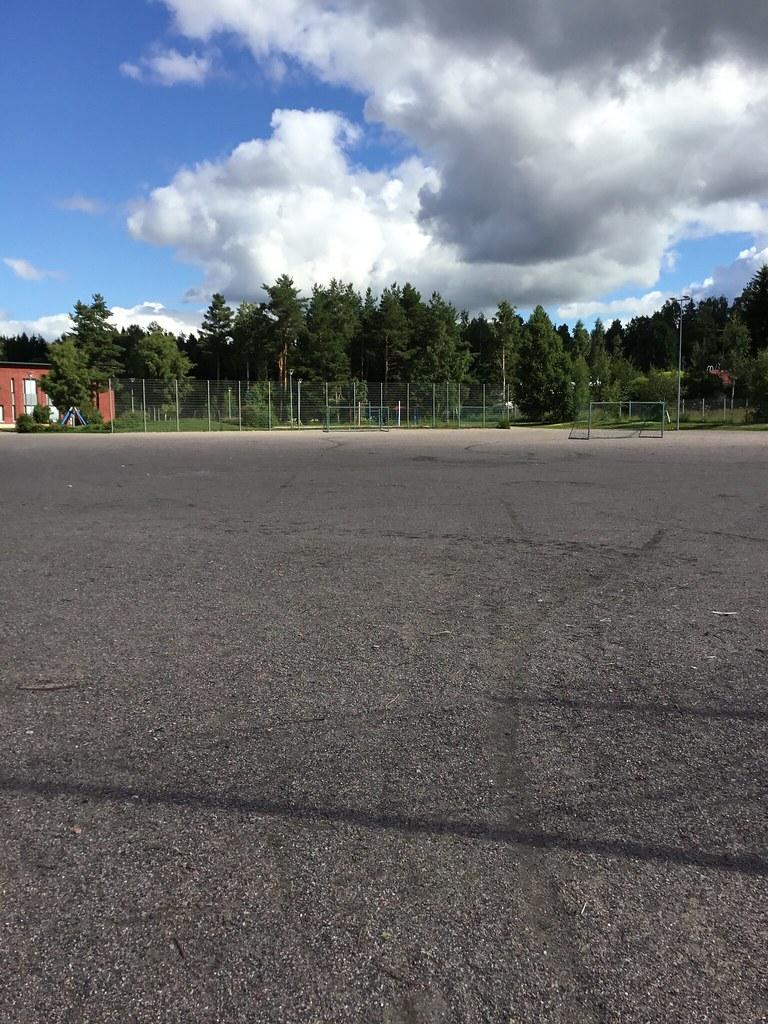 Kuva toimipisteestä: Juvanpuiston koulu / Hiekkatekonurmikenttä