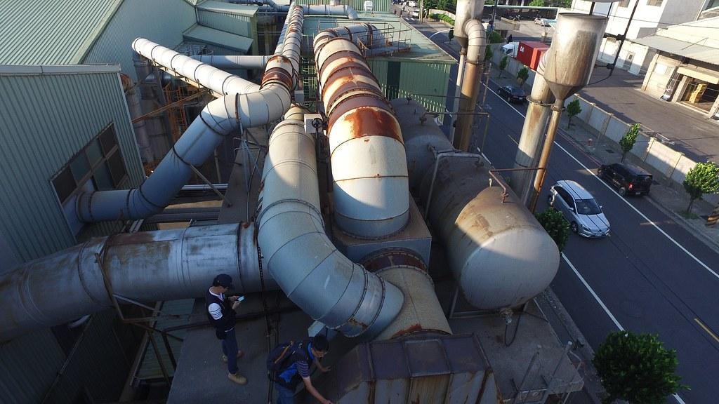 1060726新聞相片-繞流廢氣管線查核情形