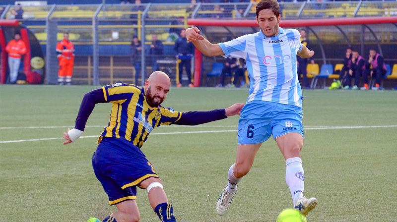 Francesco Ripa in azione con la maglia della Juve Stabia