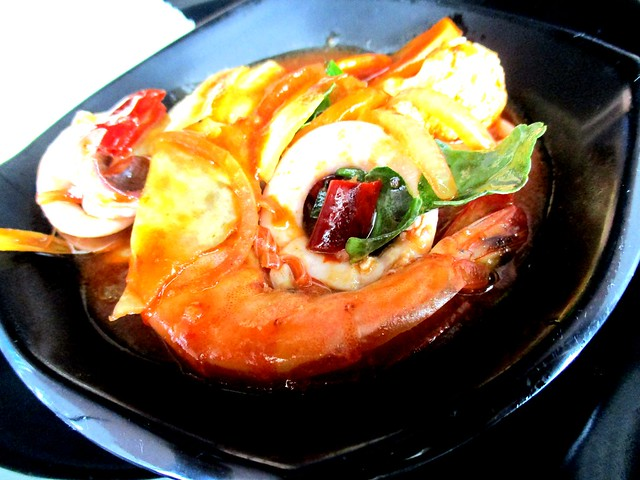 MIA CAFE & RESTAURANT paprik seafood
