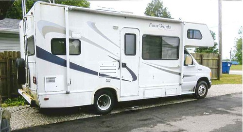 2005 Ford V10 Four Winds Class C motorhome | by thornhill3