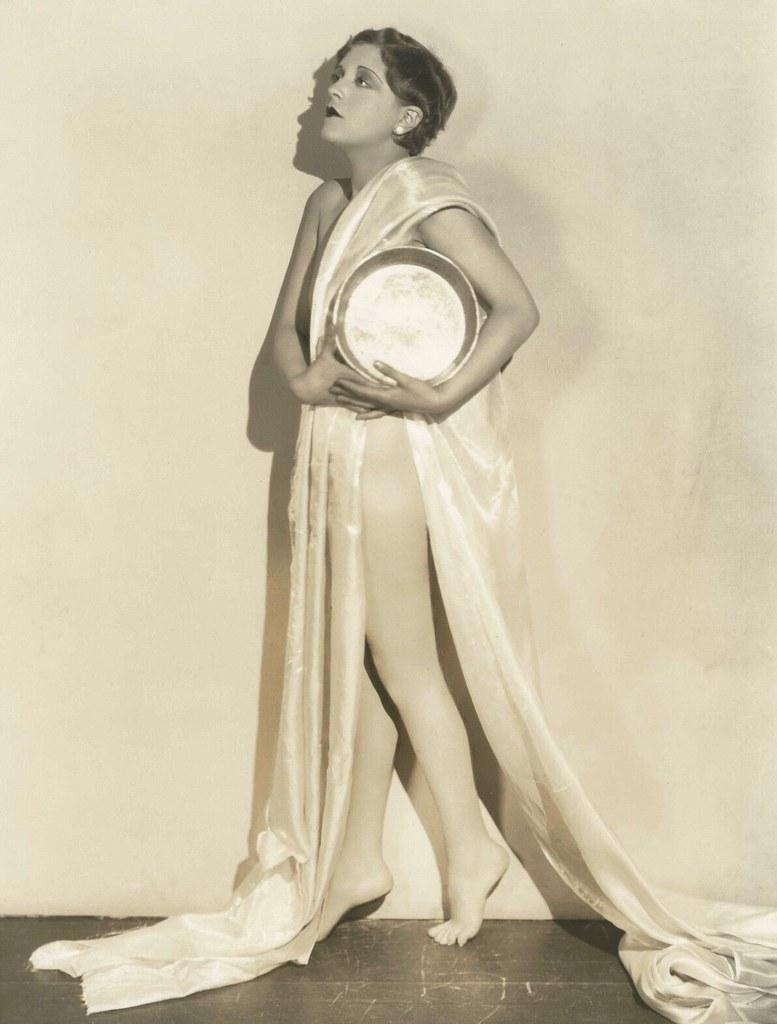 Nichelle Nichols born December 28, 1932 (age 85) foto