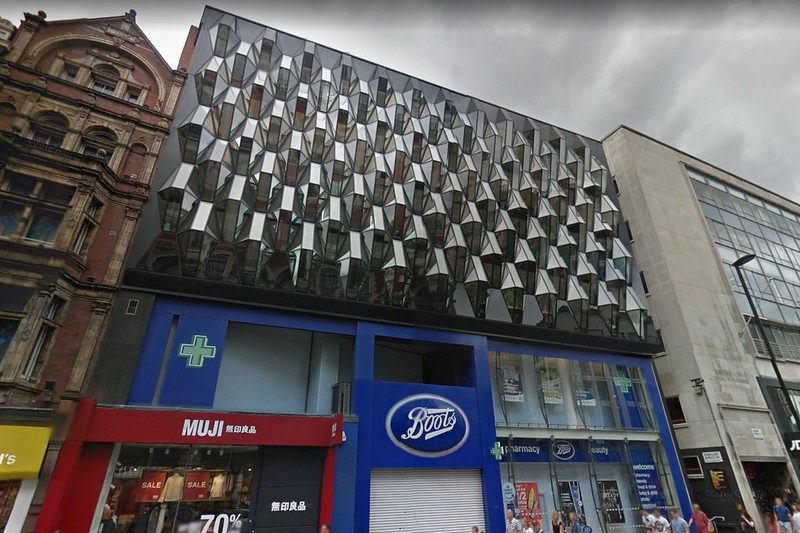Three dimensional glass facade on Oxford Street, London