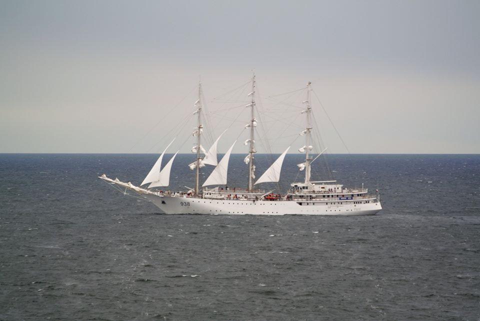 صور السفينة الشراعية الجزائرية  [ الملاح 938 ] - صفحة 8 36064221996_99e1d151c1_o