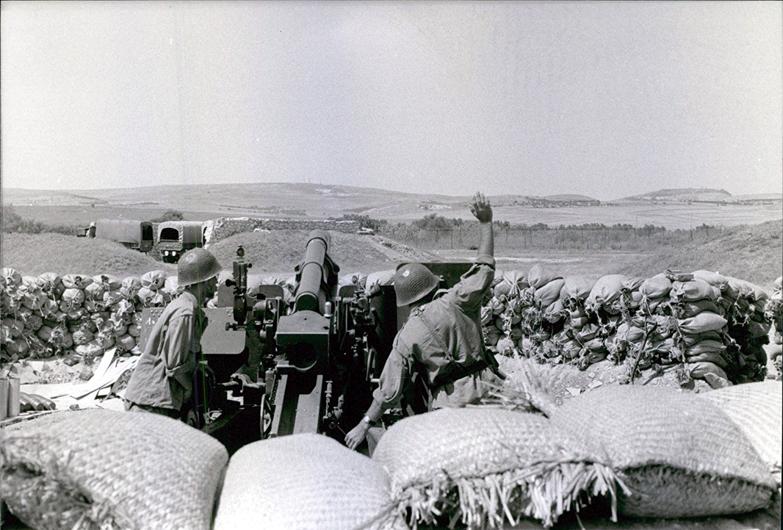 Photos - Guerre des Sables - 1963 - Page 8 36080558886_d663157483_o