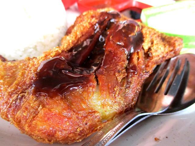 MIA CAFE & RESTAURANT ayam penyet goreng