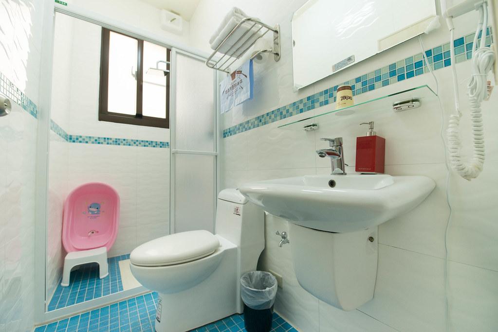 貓追熊親子民宿浴室