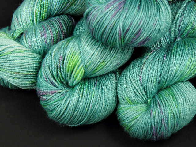 Brilliance 4 Ply – British BFL and silk hand-dyed yarn 'Opal'