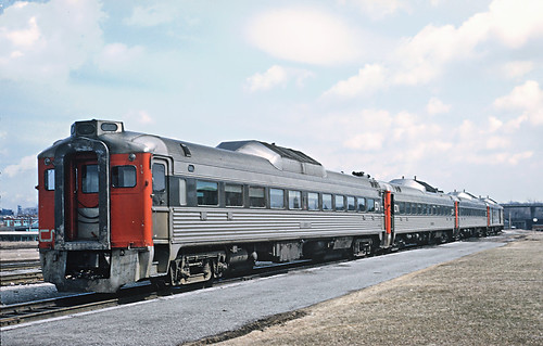 how to get to niagara falls from mississauga by train