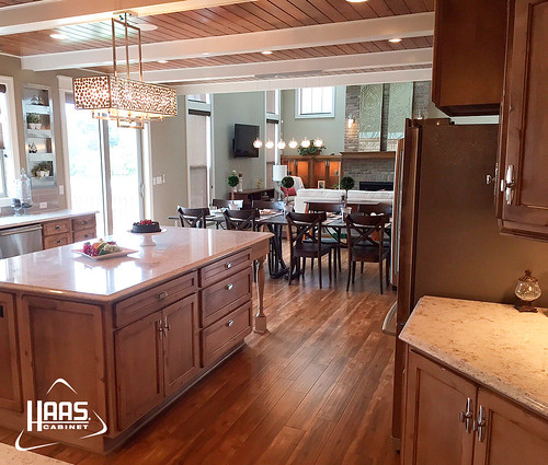 Haas Kitchen Cabinets: Lancaster (with Shaker Edge) Maple Cottage