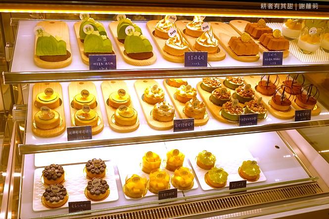 36002260122 fed9843379 b - 《台中♥食記》耕者有其甜。低調隱身傳統市場內的清新甜點店,又是網美IG打卡新熱點,連甜點都有著超可愛的療癒外型呢!