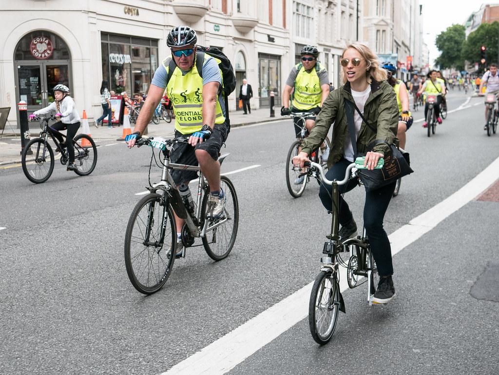brompton-barbour-bikes-freecycle-london-velocitygirl