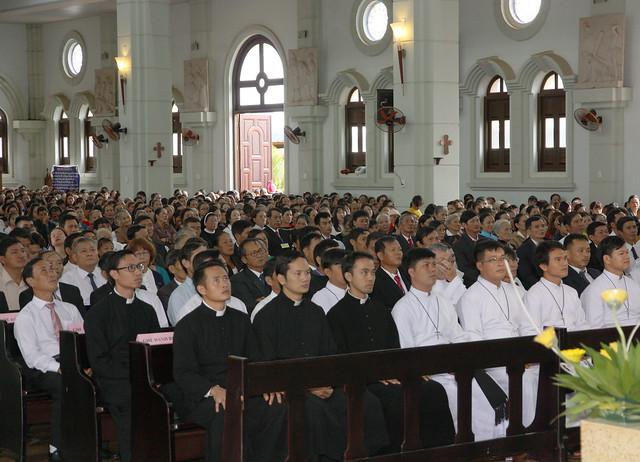 Thánh lễ Khai mạc Kim Khánh Giáo phận Ban Mê Thuột tại Nhà thờ Buôn Hô