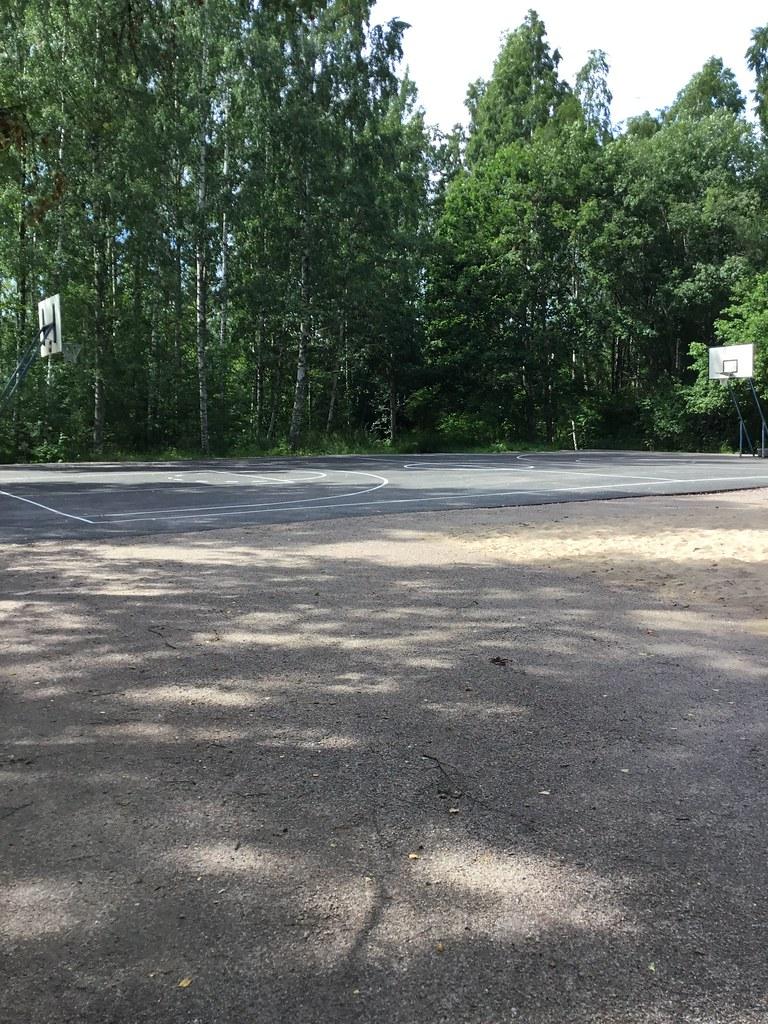 Kuva toimipisteestä: Matinkylän Rantametsä / Koripallokenttä
