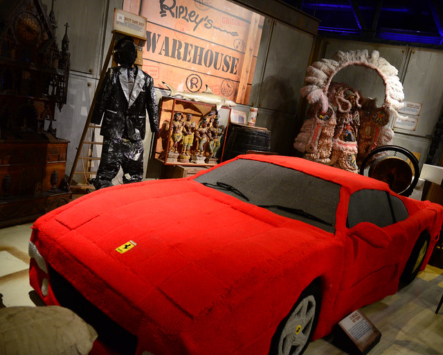 Ferrari de crochet del museo Believe it or not