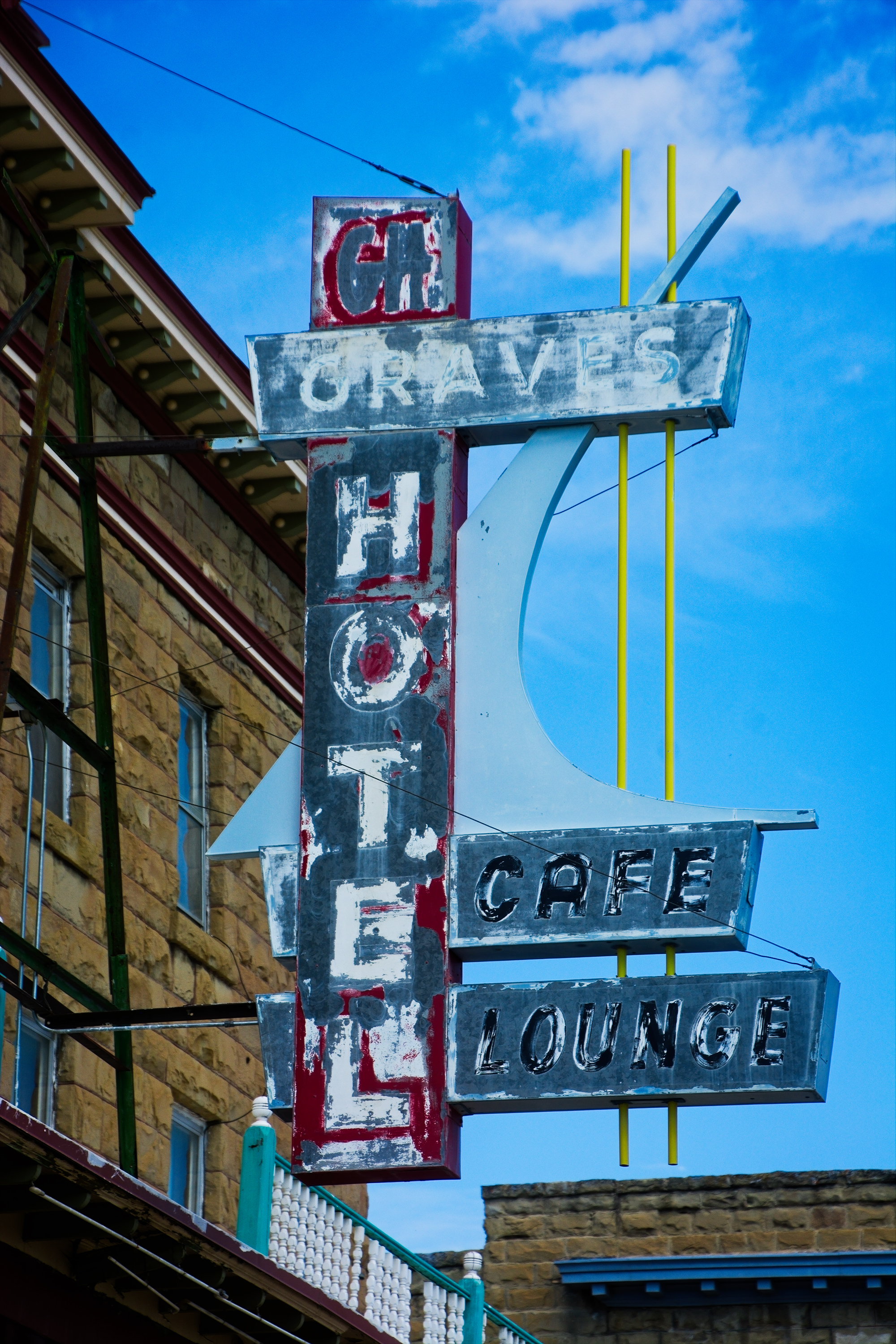 Graves Hotel - 106 Central Avenue South, Harlowton, Montana U.S.A. - July 17, 2017