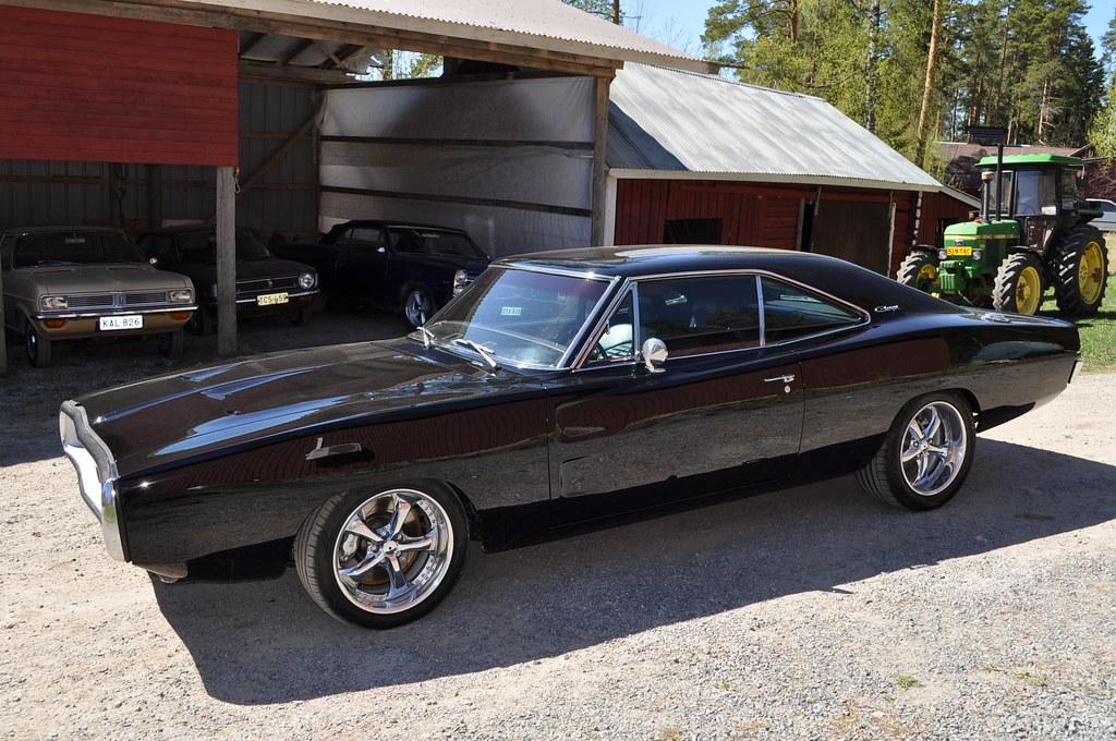 "MikkoV garage:  Charger SRT8 -70,  Manta A 2800S, Camaro RS -70 ""drift"", W212, Pontiac Tempest jne. 35894564015_b888cdd82f_b"