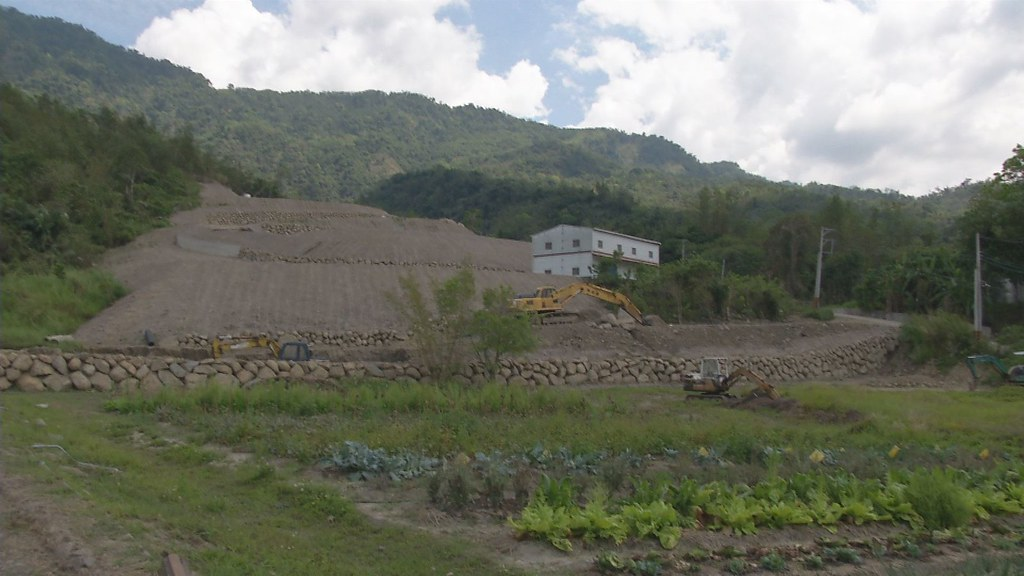 917-3-7 環保團體擔心大埔山坡地開發,除了影響水庫,將形成破窗效應,出現更多開發情形。