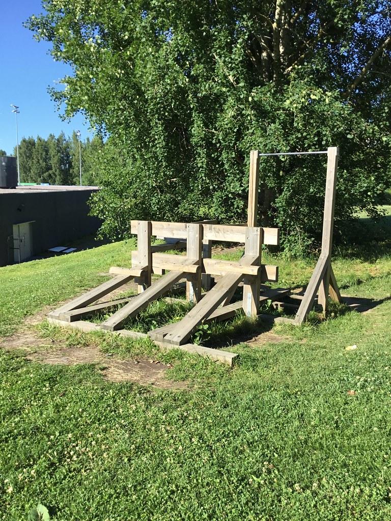 Kuva toimipisteestä: Espoonlahden urheilupuisto / Ulkokuntoiluvälineet