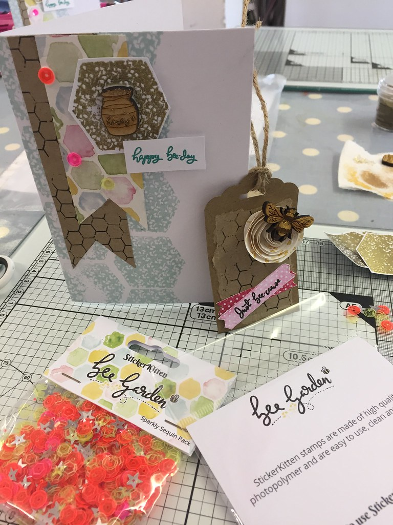 StickerKitten Bee Garden workshop - finished tag and card