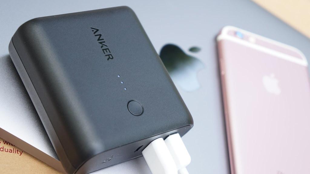 Anker PowerCore Fusion 5000でMacBookとiPhoneを充電