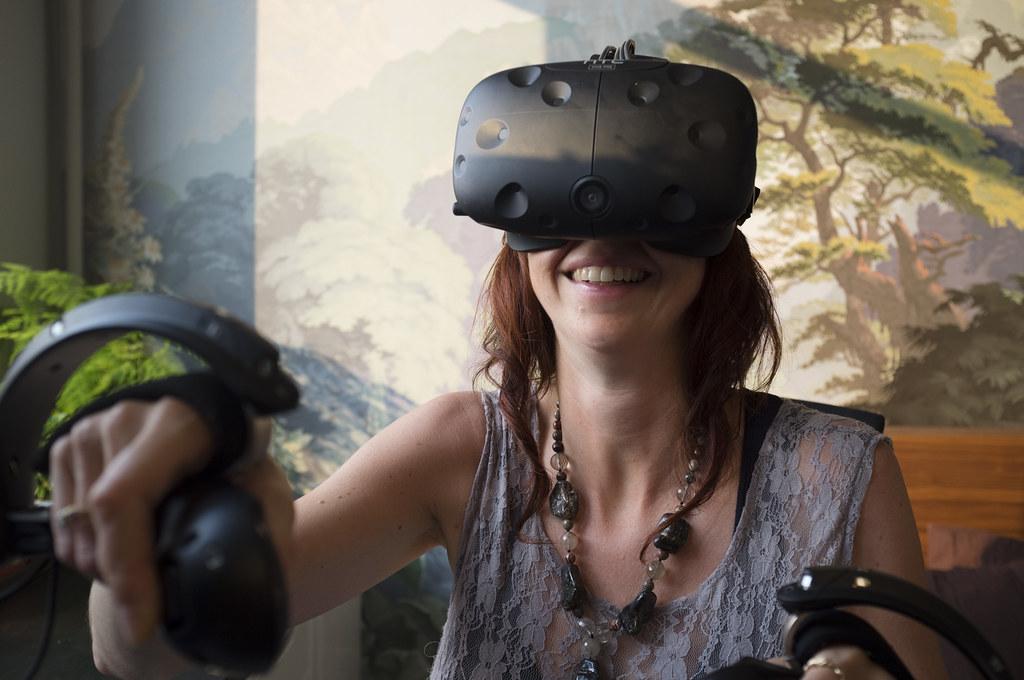 「VR」の画像検索結果