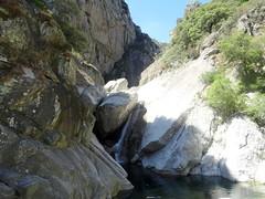 """La cascade du """"Saut de la Mort"""" à éviter par la fissure en RG"""