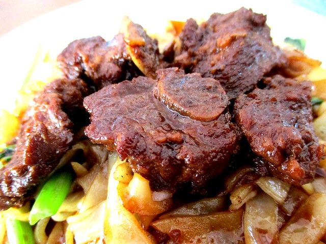 Stewed pork rib noodles 2