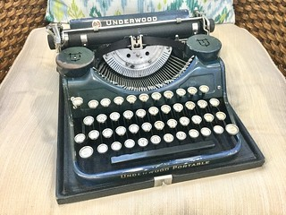 Underwood 4-Bank Portable | by jvcabacus