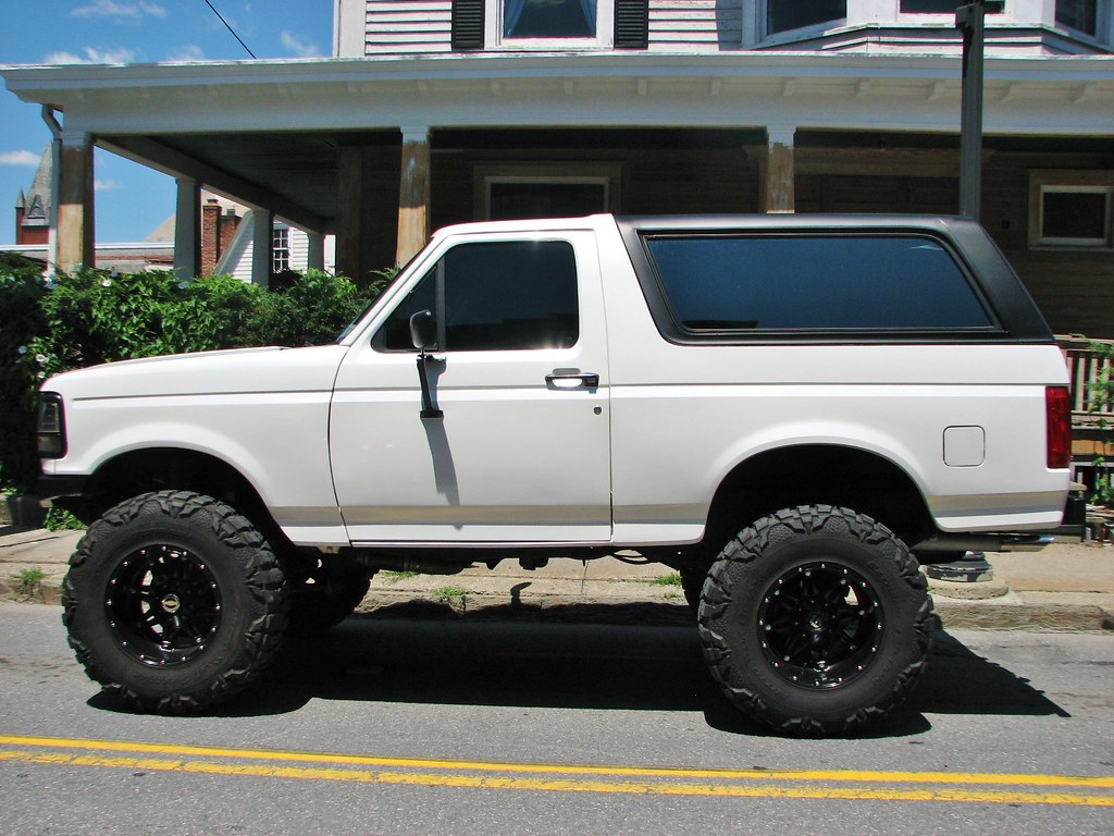 A custom 1992 ford bronco in july 2017 by richie 59