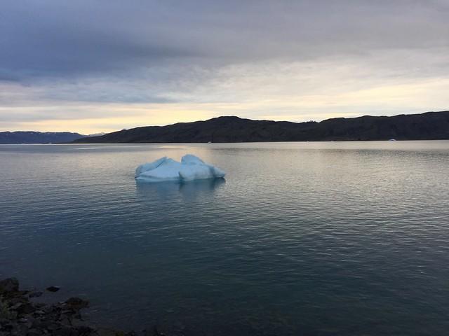 Iceberg en el fiordo Tunulliarfik del sur de Groenlandia