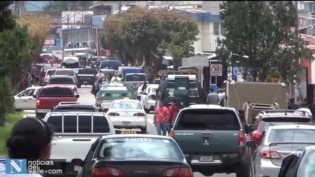 Bloqueos en San Pedro Sacatepéquez y San Marcos por parte de taxistas