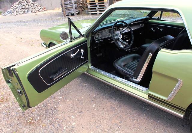 Oldtimer Ford Mustang 1965 grün